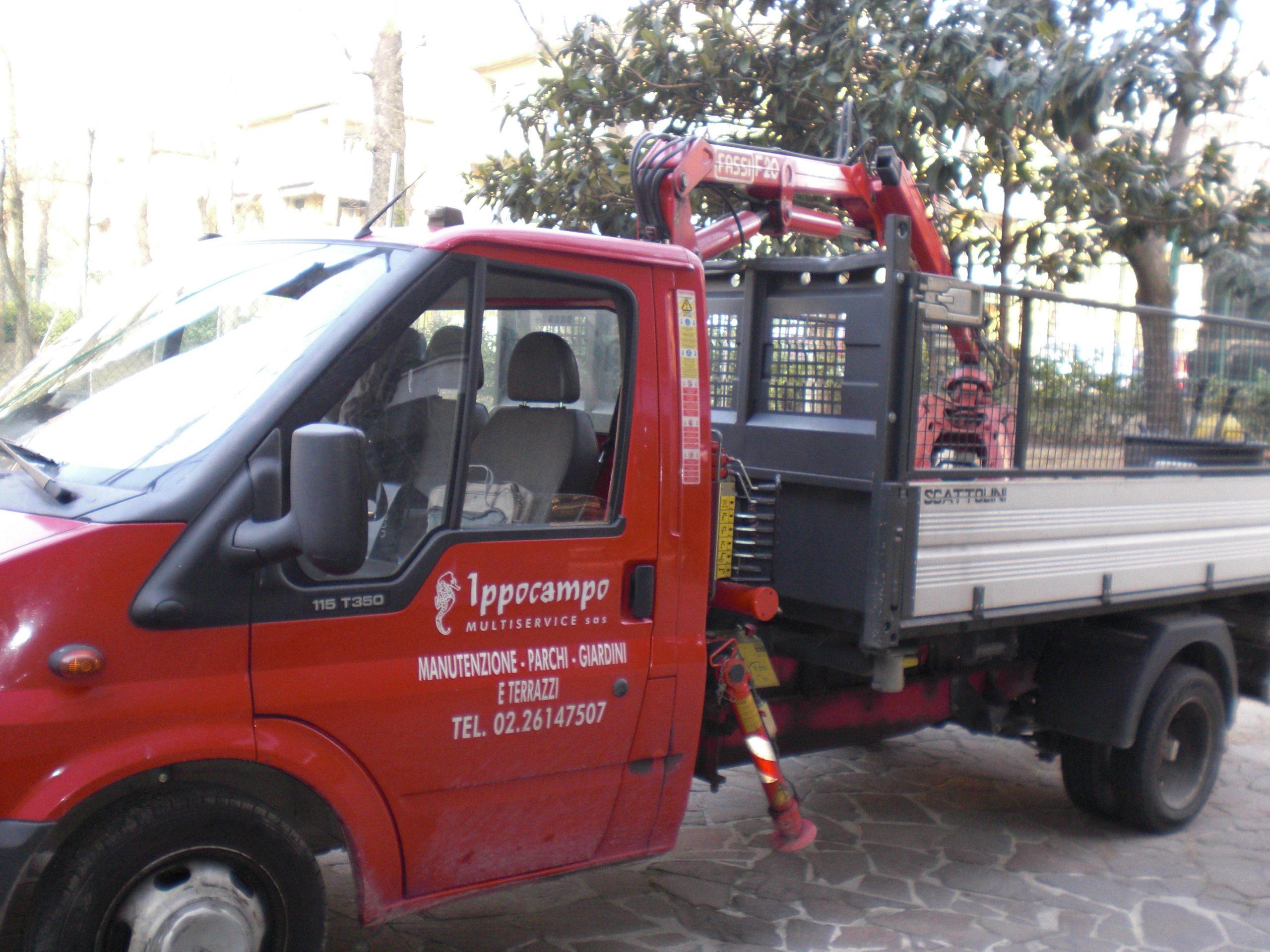 Ippocampo Multiservice: Servizio di Pulizie Industriali, Professionisti della Sanificazione Ambientale, Disinfestazione, Deratizzazione, e Impresa di Giardinaggio